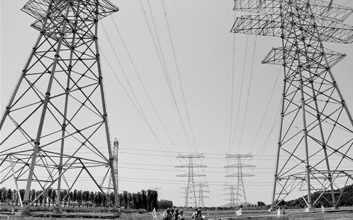 图为首条入京特高压输电通道配套工程全面完工。新华社记者 李 欣摄